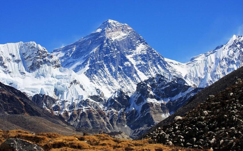 Непал и Китай совместно измерят точную высоту Эвереста