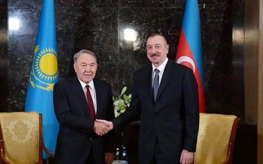 """Azərbaycan Prezidenti """"Türk dünyasının Ali Ordeni""""ni Nursultan Nazarbayevə təqdim edib"""