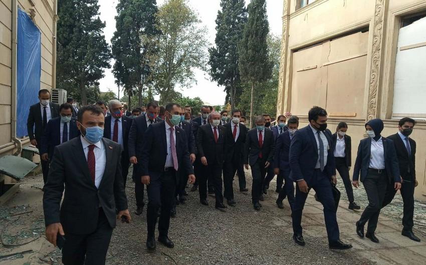 Speaker of Turkish parliament arrives in Ganja