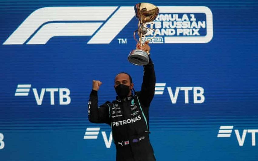 Хэмилтон стал первым на Гран-при России и одержал 100-ю победу в Формуле-1