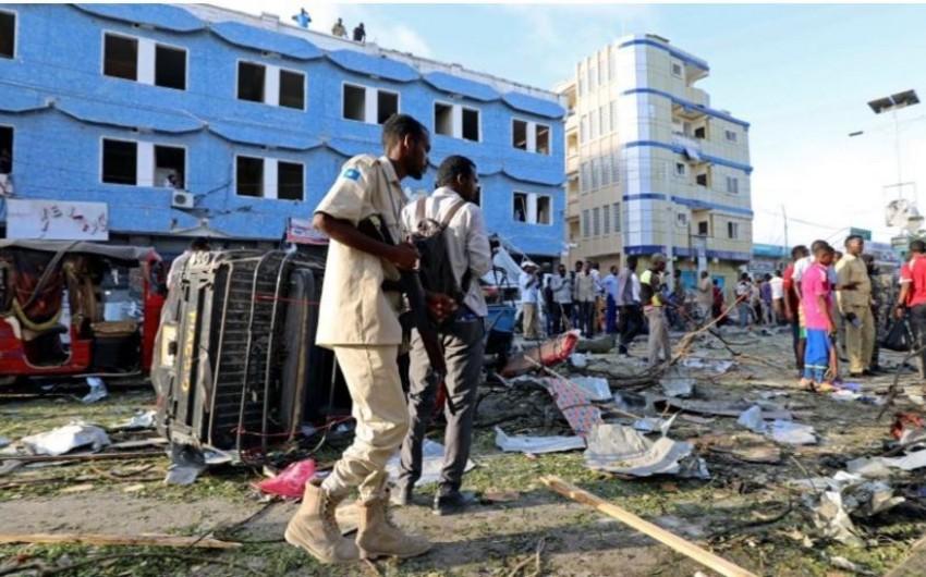 В Сомали прогремел взрыв около автомобиля местного депутата, есть погибшие