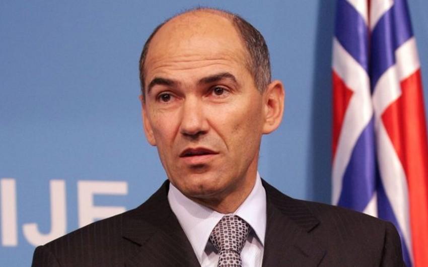 Sloveniyanın baş naziri UEFA prezidentini sərt tənqid etdi