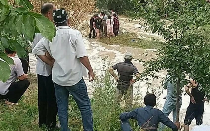 Özbəkistanda sel nəticəsində 8 nəfər ölüb, 6-sı yaralanıb