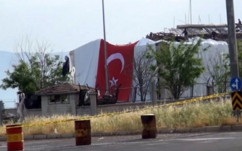 Türkiyədə terrorçuların hücumu nəticəsində bir nəfər şəhid olub, 8 əsgər yaralanıb