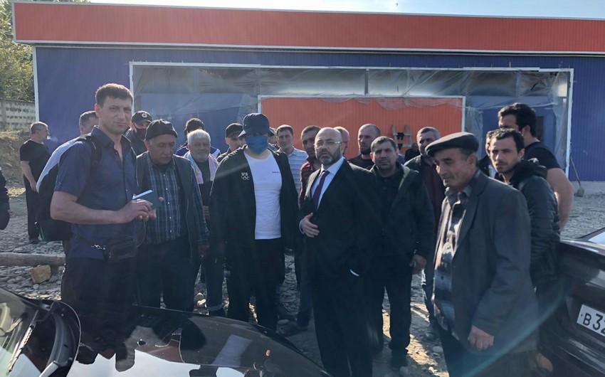Azərbaycanlılar Rusiya ilə sərhədin açılmasını gözləyir - VİDEO