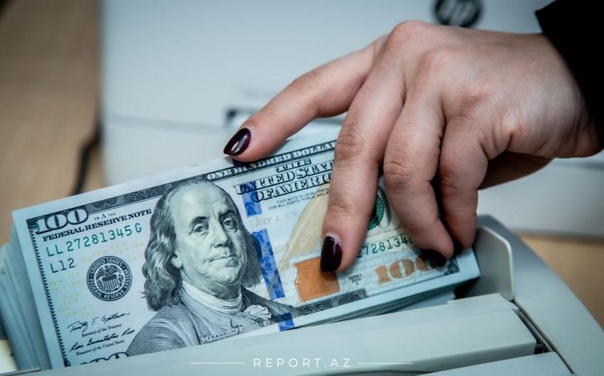 Azərbaycanda valyuta hərracında dollara tələb 24%-dən çox artıb