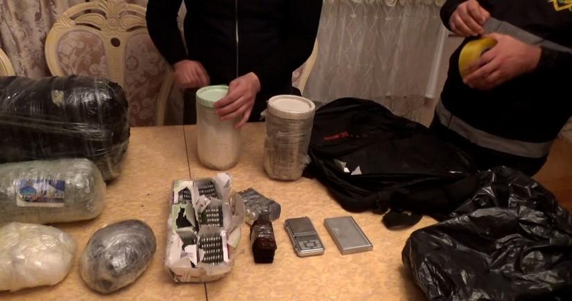 Polis 21 kiloqramdan artıq narkotik vasitəni dövriyyədən çıxarıb