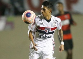 Barcelona FC signs Sao Paulo 19-year-old Gustavo Maia for 4 mln EUR