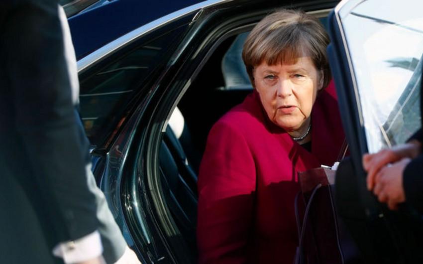 Angela Merkelə hücum olub - VİDEO