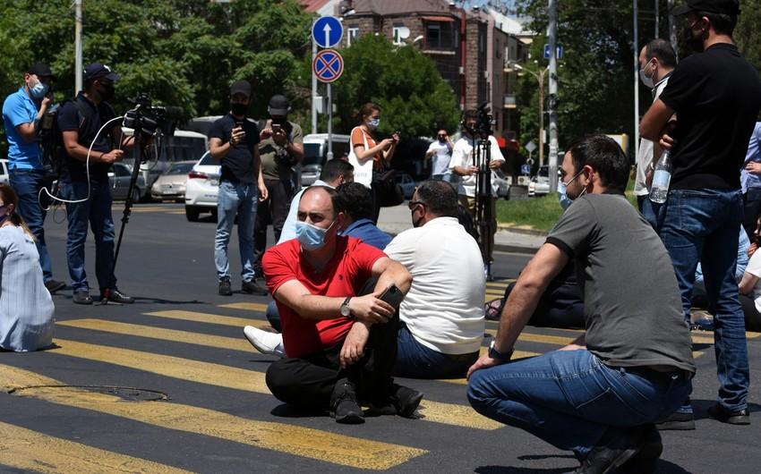 Yerevanda etiraz aksiyası: Baş nazir xalqa qarşıdır