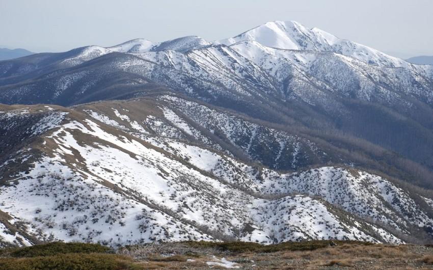 ETSN: Dağlıq ərazilərə qar yağıb, güclü şimal-qərb küləyi əsib