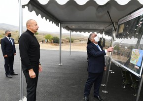 Президент Азербайджана ознакомился со строительством дорог в Гадруте