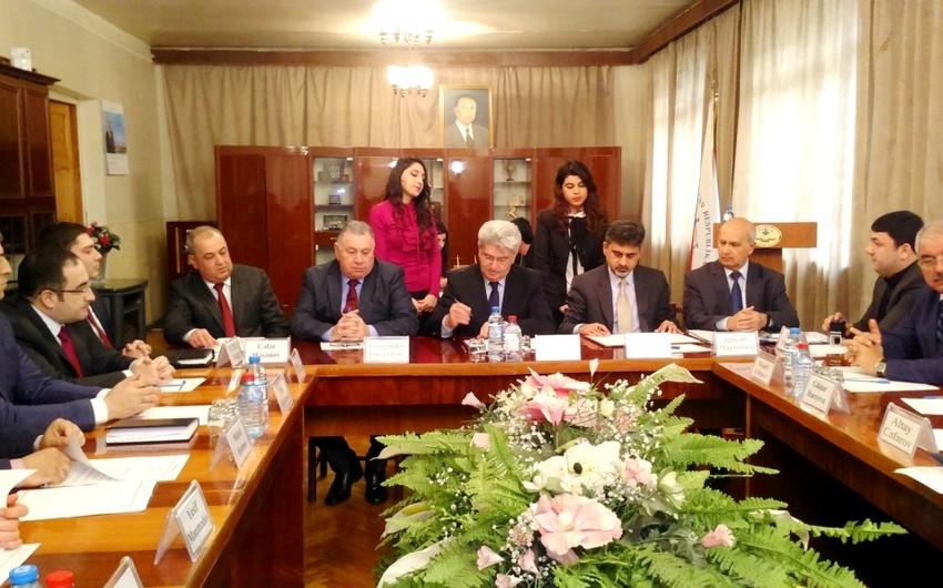 Azərbaycan Auditorlar Palatası Headstart International ilə saziş imzalayıb