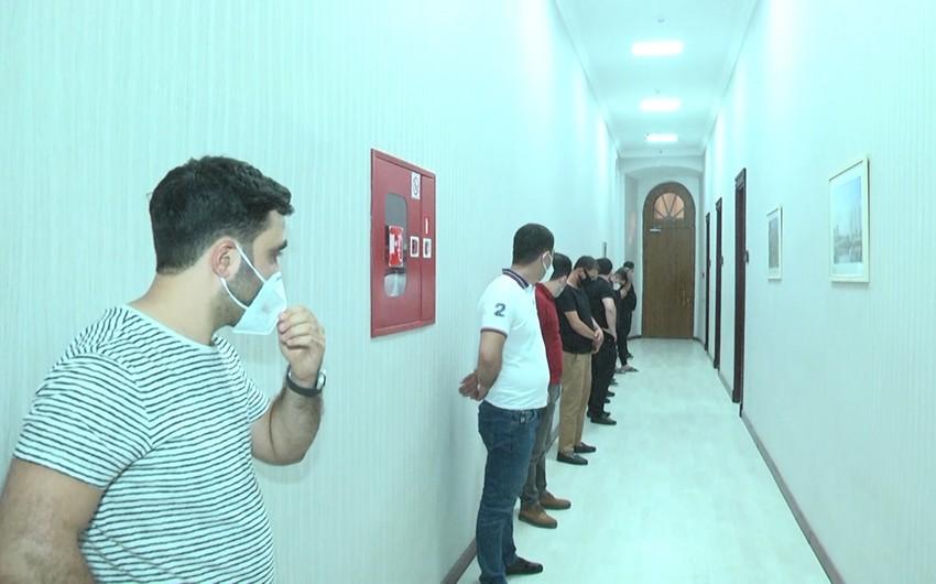 """""""40 pillə"""" restoranının sahibi və müştəriləri cərimələndi"""