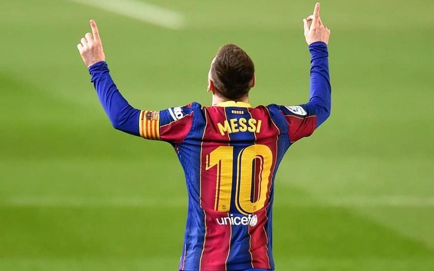 Messi Barselona ilə 2 illik müqavilə imzalayacaq