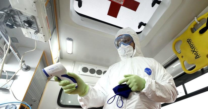 ВОЗ готовит новые рекомендации по близким контактам при коронавирусе