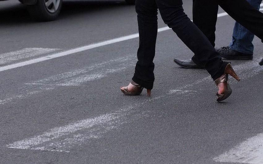 В Баку автомобиль сбил 42-летнюю женщину