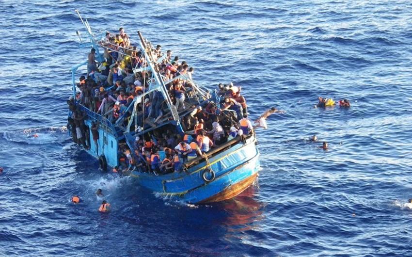 Aralıq dənizində miqrantları daşıyan gəmi batıb, 100 nəfər ölüb