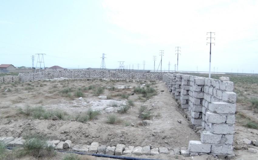 Neft kəmərinin keçdiyi ərazi vətəndaş tərəfindən hasara alınıb