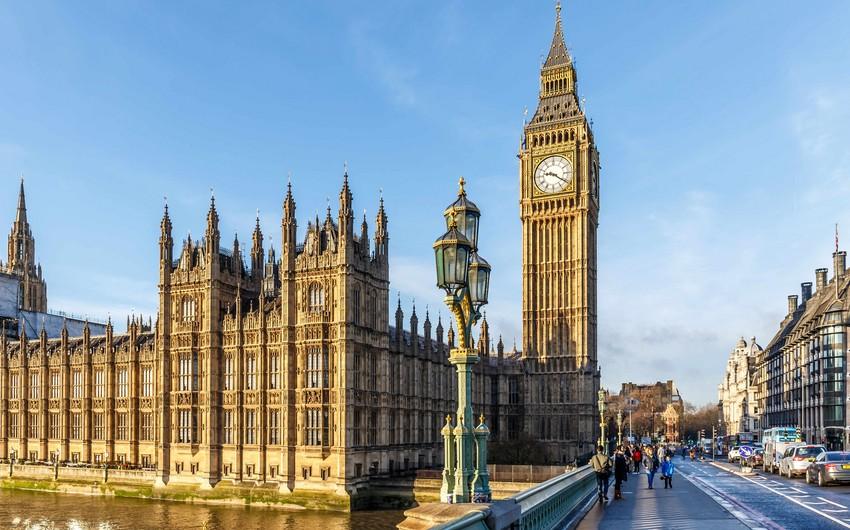 Britaniya parlamentinin fəaliyyətinin dayandırılmasına qarşı imza toplanır