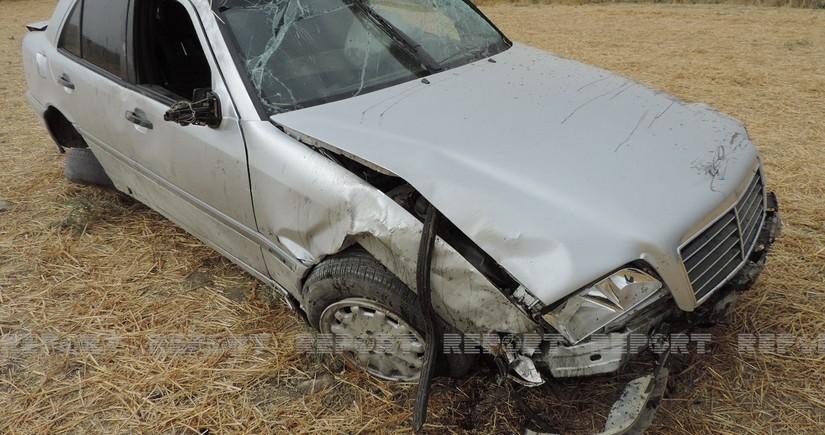 Ağsuda yol qəzası olub, sürücü ağır yaralanıb