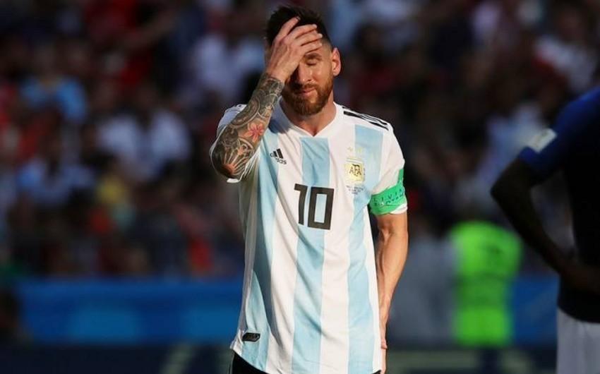 Maradona Messiyə milli komandaya qayıtmamağı məsləhət görüb