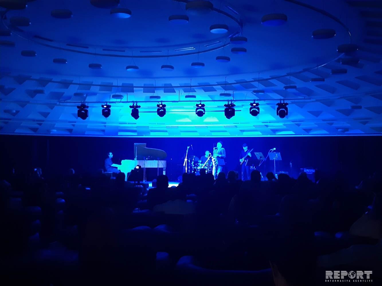 Baku hosts concert of Belgian-Chilean saxophonist