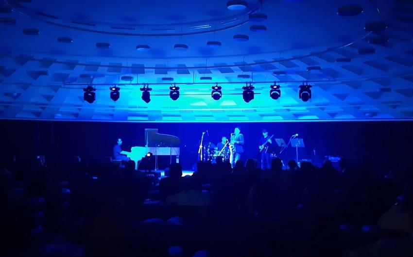 Bakıda Çili əsilli Belçika saksafonçusunun konserti keçirilib