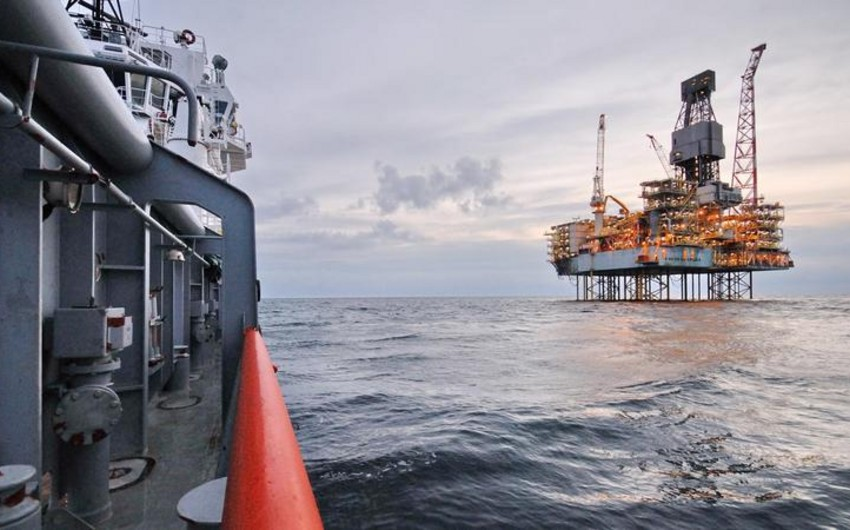 Azerbaijani oil price slightly decreased