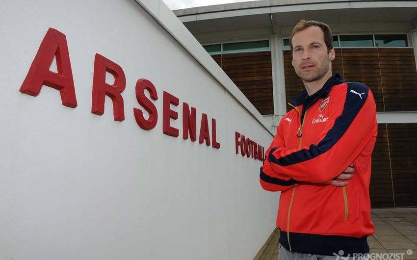 Arsenal klubunun qapıçısı 4-cü dəfə qızıl əlcəyə sahib çıxıb