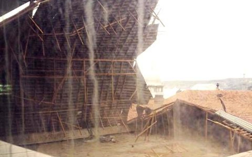 Pedaqoji Universitetin dam örtüyünün uçması ilə bağlı rəsmi açıqlama verilib