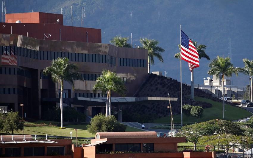 Quaido: ABŞ səfirliyi Karakasda qalacaq
