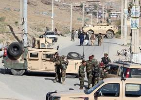 """Əfqanıstanda """"taliban""""çıların polisə hücumu zamanı bir neçə nəfər öldürülüb"""