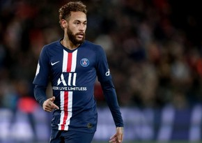 Neymar returns to France