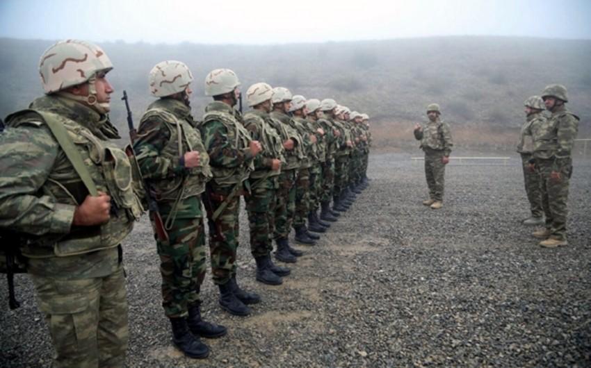 Azerbaijani Defense Minister appreciates fighting spirit and moral-psychological readiness of servicemen