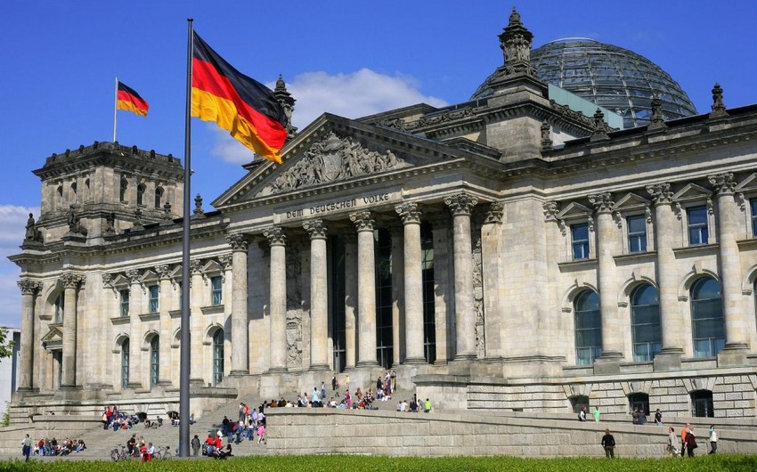 Germany will spend 1 billion euros for refugees