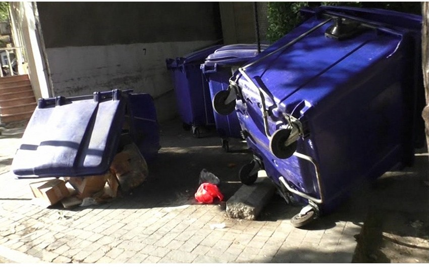 Bakı polisi piket iştirakçılarının şəhər təsərrüfatına vurduğu ziyanla bağlı görüntülər yayıb