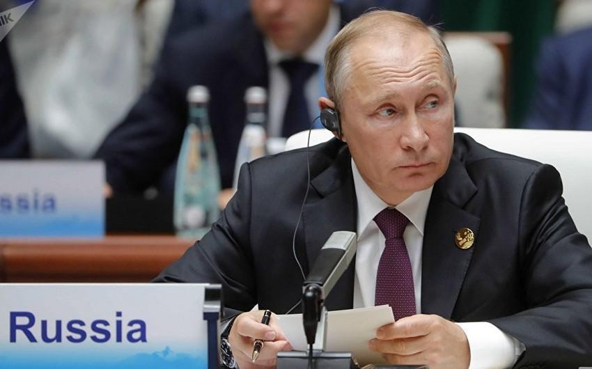 Putin: ABŞ bizi KXDR və İranla bir sıraya qoyub