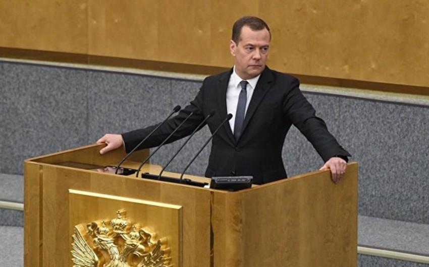 Dmitri Medvedev yenidən Rusiyanın baş naziri seçilib