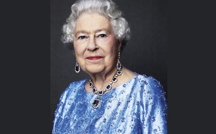 """Britaniya kraliçasının """"sapfir"""" yubileyi keçirilir"""