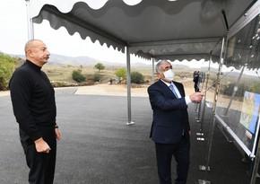 Глава государства ознакомился со строительством дорог Гадрут-Джебраил-Шукюрбейли, Туг-Гадрут и Физули-Гадрут