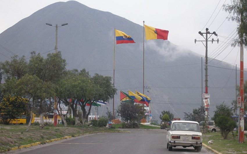 Ekvador Venesuela səfirini ölkədən çıxardır