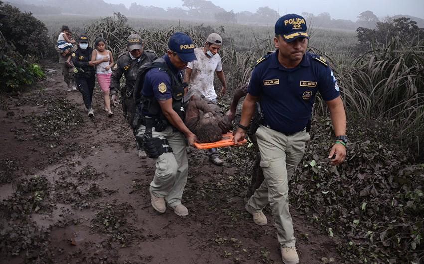 Qvatemalada vulkan püskürməsi nəticəsində ölənlərin sayı 65 nəfərə çatıb - YENİLƏNİB