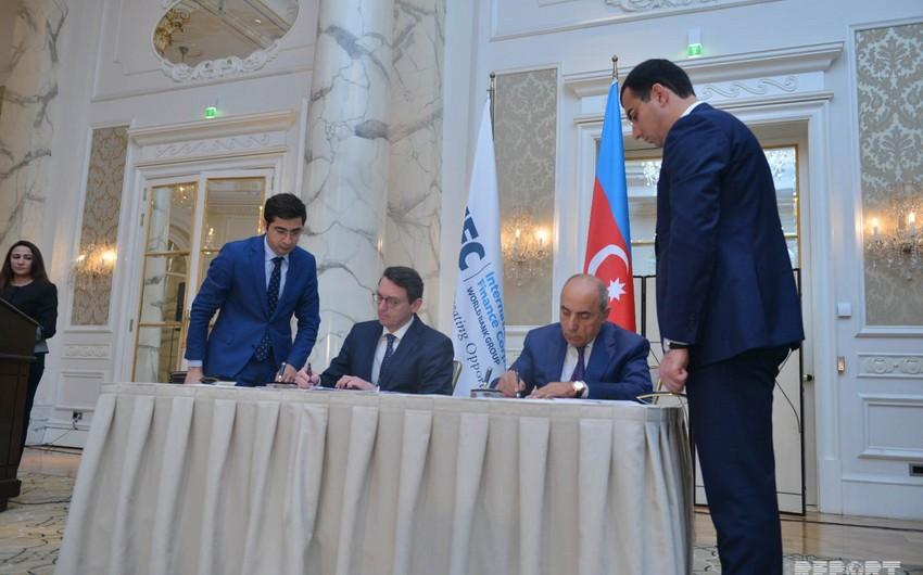 Azerbaijan and IFC sign documents
