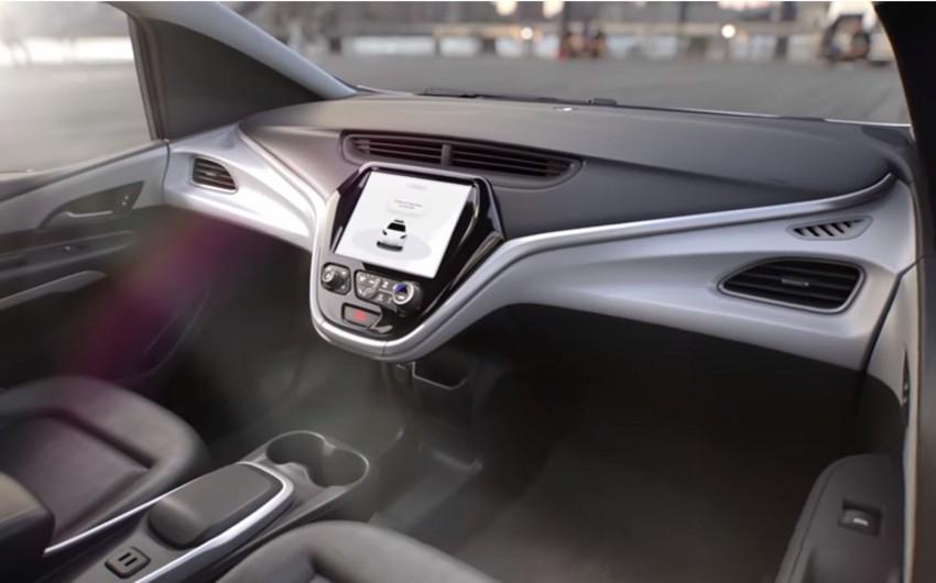 """""""General Motors"""" sükansız və pedalsız avtomobili nümayiş etdirib - VİDEO"""