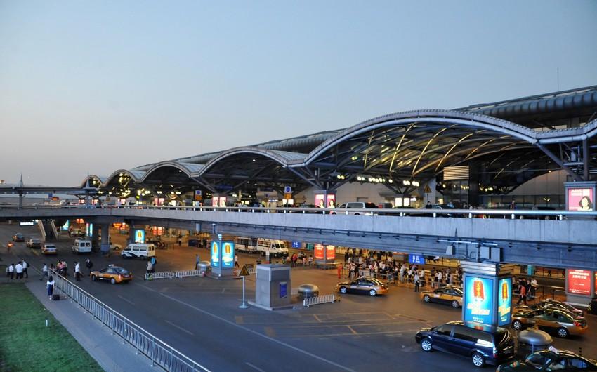 Аэропорты Пекина объявили о закрытии 600 рейсов из-за ливней