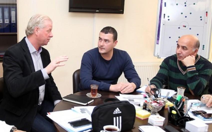Şahin Diniyev: Bir klubda baza, meydança yoxdursa, hansı uşaq futbolundan danışmaq olar?