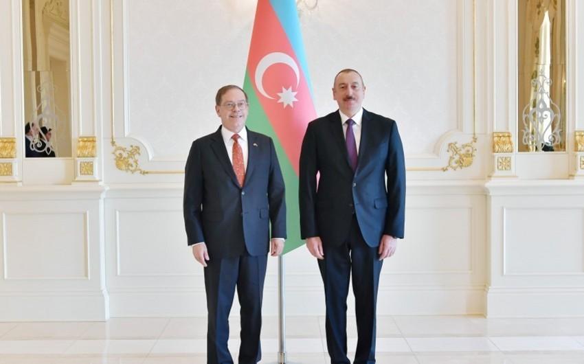 Prezident İlham Əliyev ABŞ-ın yeni səfirinin etimadnaməsini qəbul edib - YENİLƏNİB