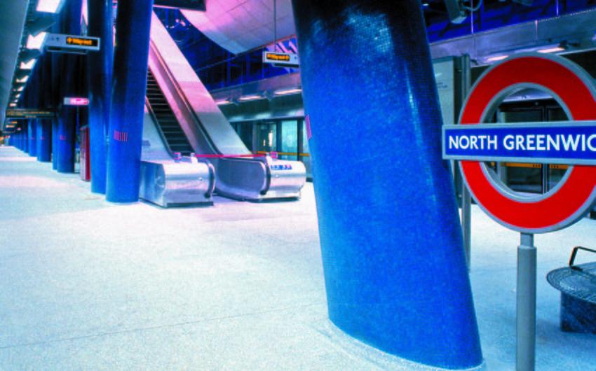 Londonda metro stansiyası şübhəli bağlama səbəbindən bağlanıb