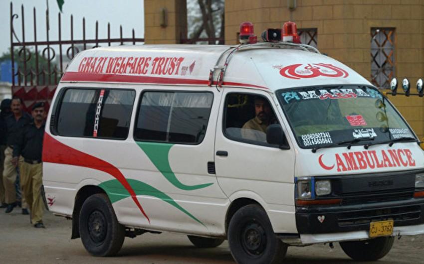 Pakistanda avtobus uçuruma düşüb: 10 ölü, 10 yaralı